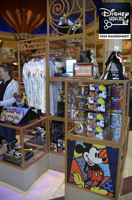 [Disney Village] Boutique World of Disney (12 juillet 2012) - Page 24 382376_4292028942865_336046675_n