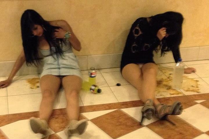 TË DEJURIT Drunk-girls