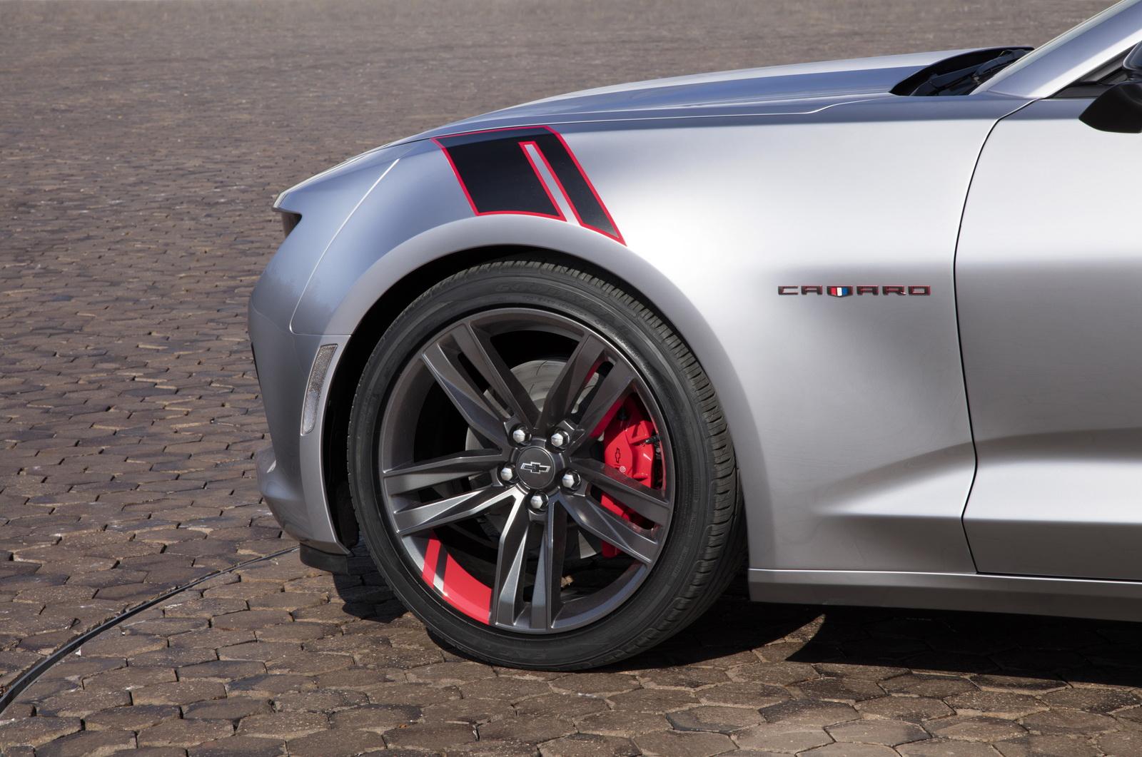 2016 - [Chevrolet] Camaro VI - Page 5 2015-SEMA-Chevrolet-Camaro-Red-Line-4
