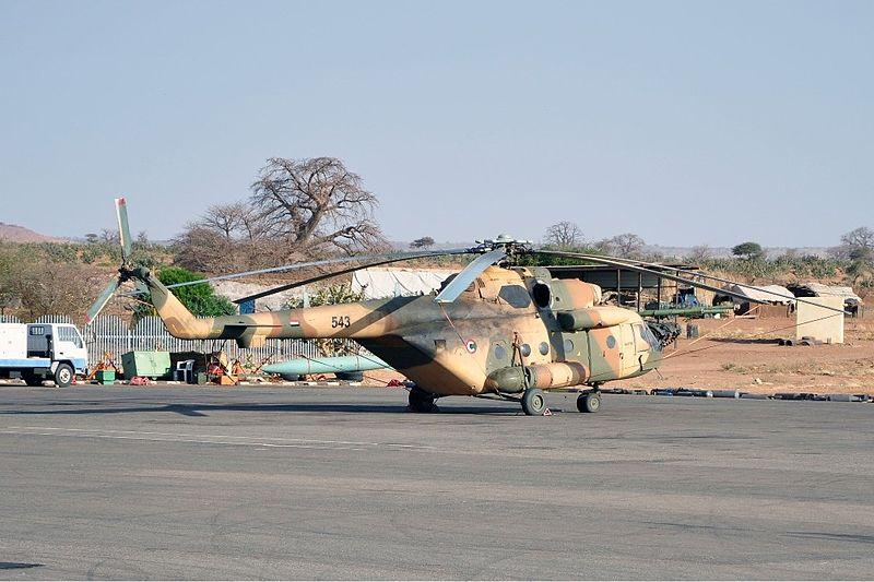 # فك رموز الطائرات الحربية # - صفحة 2 800px-Sudanese_Air_Force_Mil_Mi-171_Onyshchenko-1