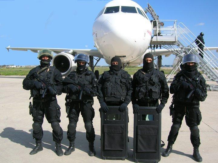 القـوات الخـاصــة حول العالم - حصري لصالح منتدى الجيش العربي 218125_10150172835624555_503619554_6630166_33567_n