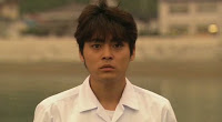 [J-Drama/Roman] Sekai no chuushin de, Ai wo sakebu / Un cri d'amour au centre du monde Vlcsnap-2012-05-23-21h33m50s109