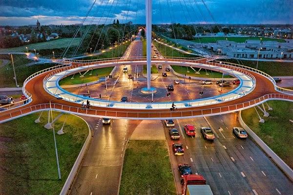 Ponts, viaducs et tunnels remarquables (ouvrages d'art) pour le vélo - Page 2 Suspended-Bicycle-Roundabout-01