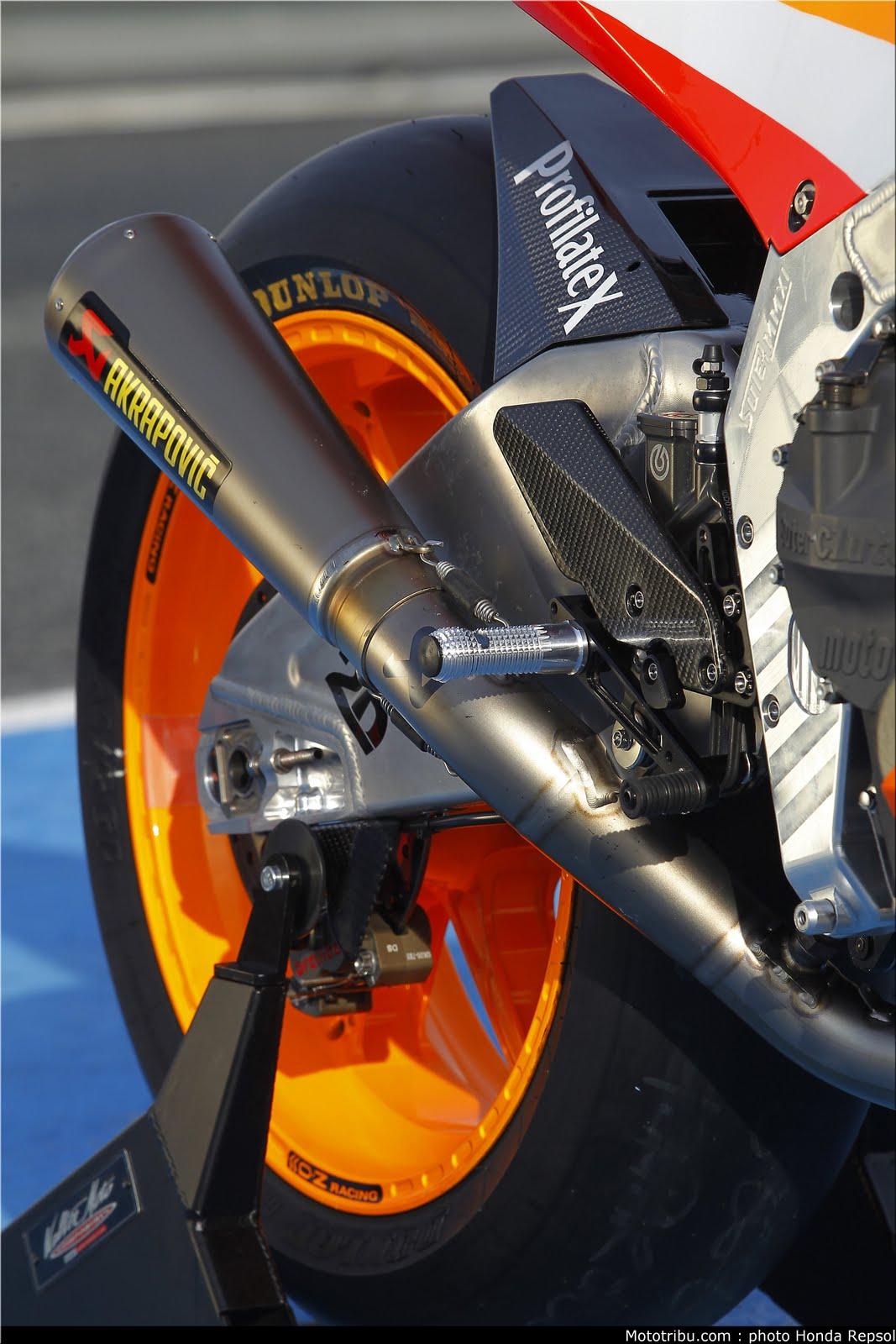 Machines de courses ( Race bikes ) - Page 6 Suter%2BMMX%2BMarquez%2B2011%2B07