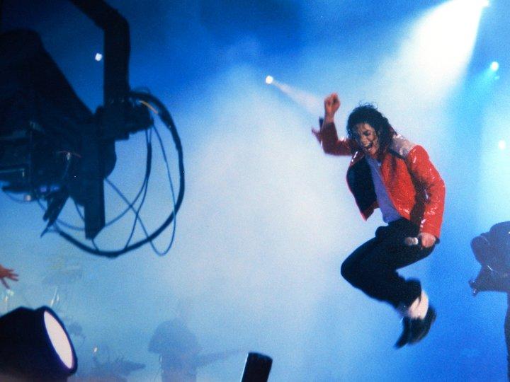 Raridades: Somente fotos RARAS de Michael Jackson. 271018_221416047903225_117523874959110_710602_2436592_n