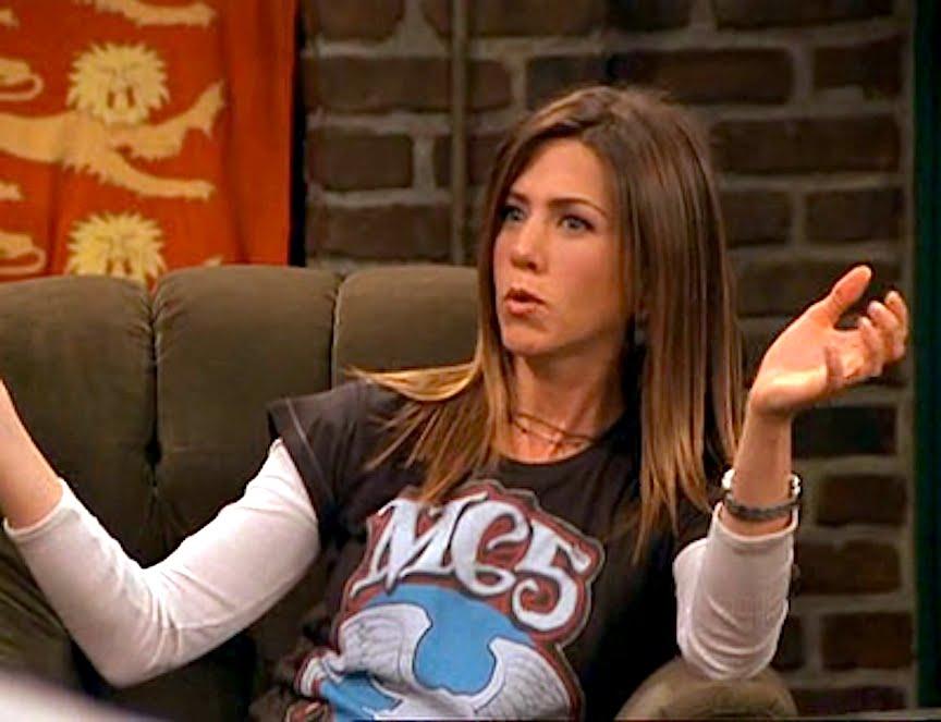 El post de la infamia: fotos de famosos y modernos con camisetas vintage Aniston%2Bmc5