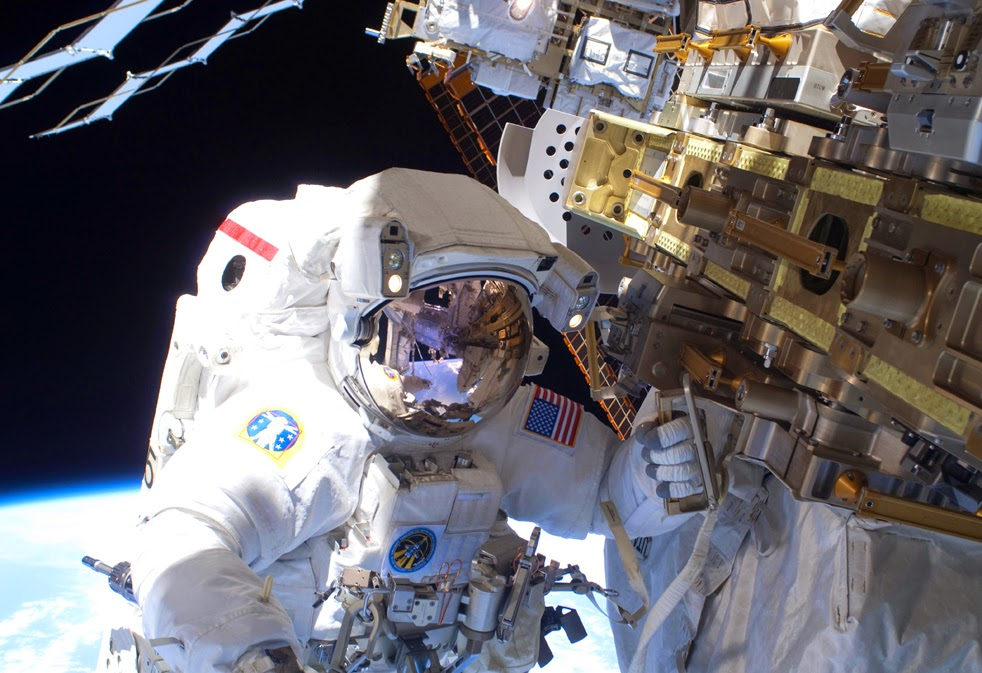 --Работа шаттла на орбите : фотографии-- ShuttleA