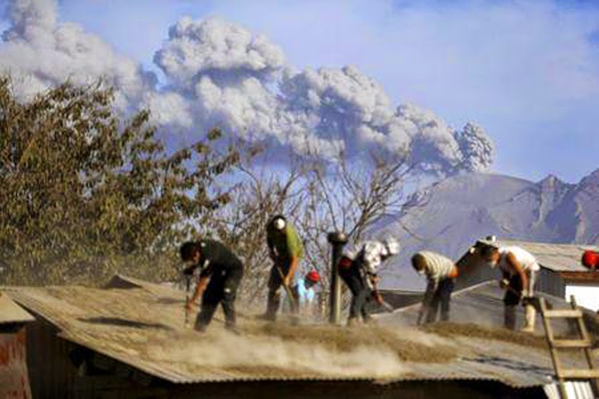 GLOBAL VOLCANISM: Ash Cloud From Chile's Calbuco Volcano Reaches Brazil  Calbuco_volcano03