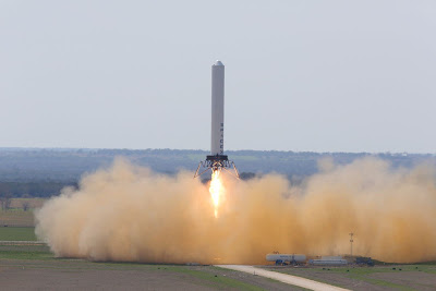 Spaceport America Readies to Welcome Space Tourists  Space-x-grasshopper