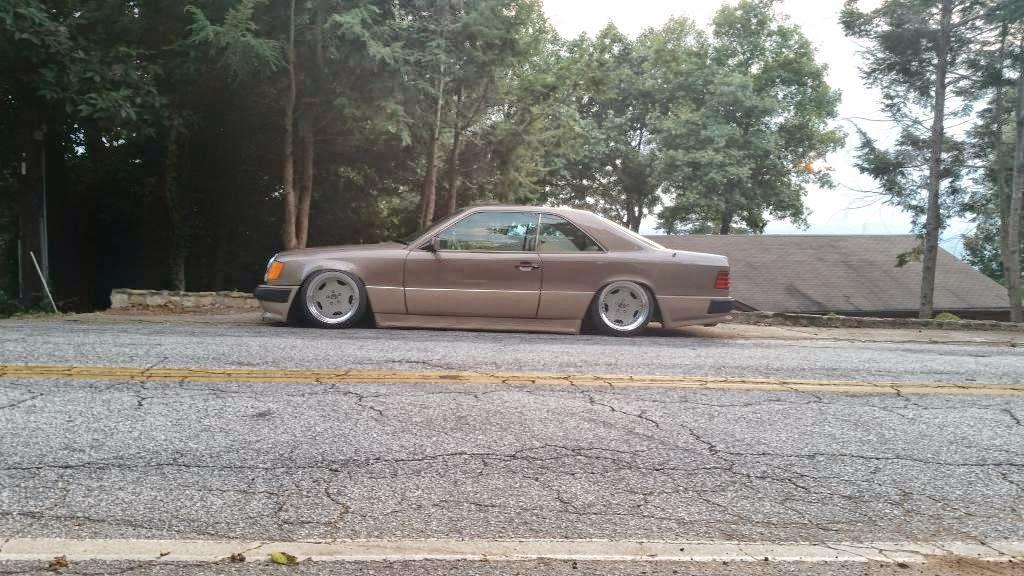 les mercedes de gangsta - Page 2 Mercedes_w124_stance-vip-style_3
