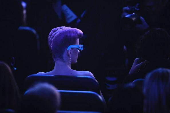 AMA'S 2011 [3 nominaciones + Actuación] [AMA por ser 1ª mujer en la historia en tener 5 #1's] - Página 3 Katy%252BPerry%252B2011%252BAmerican%252BMusic%252BAwards%252BShow%252B233n9nkQM0Vl