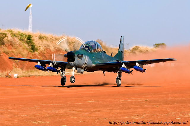 Embraer EMB 314 Super Tucano(  avión turbohélice diseñado para el ataque ligero, contrainsurgencia y entrenamiento avanzado de pilotosBrasil, ) - Página 3 Super-Tucano_01