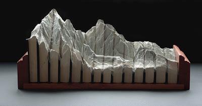 فن النحت على الكتب Landscapes-carved-into-books-guy-laramee-10