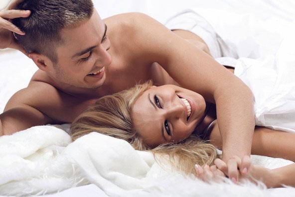 Gente simpatica e juvenil  - Página 5 Homem-e-mulher-na-cama
