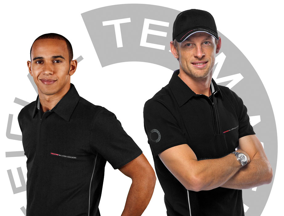 Mclaren 700 Grandes premios  310_Lewis_and_Jenson_in_Polo_Shirts_and_Caps