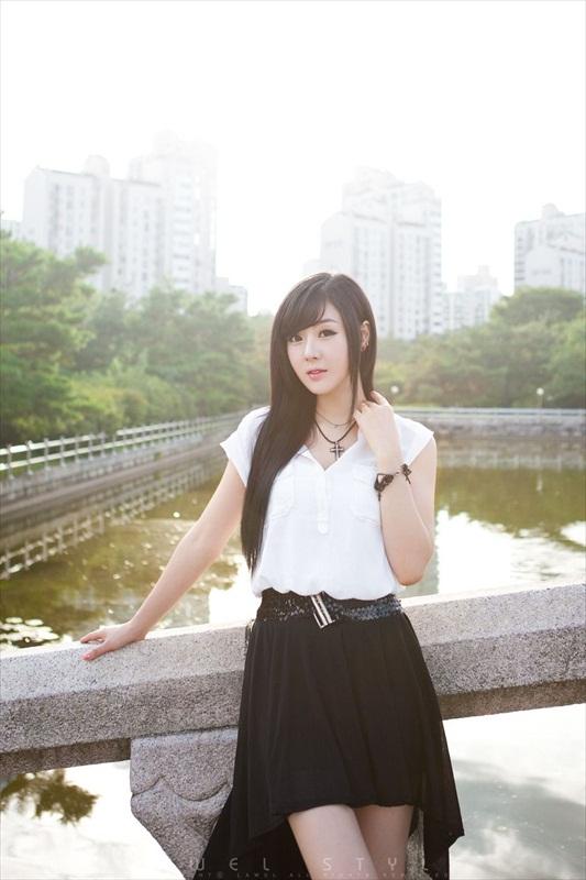Hwang Mi Hee – Xinh không đỡ nổi Hwang_Mi_Hee_200912_33