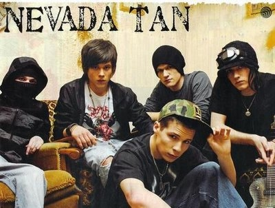 Nevada-Tan, a pequena assassina Tumblr_mdt3zrapcF1qjv5iyo1_400