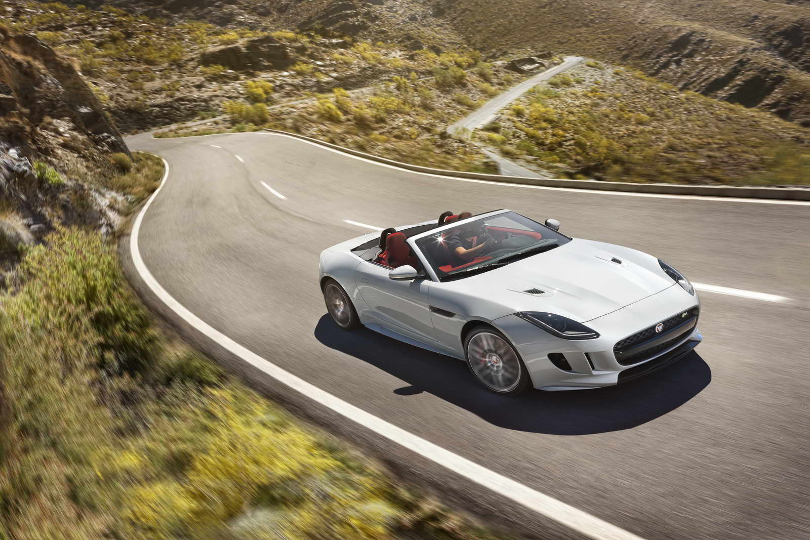 2012 - [Jaguar] F-Type - Page 14 AWD%2BR%2BGlacier%2BWhite_01
