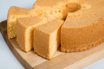 Tips & Trik Agar Kue Bolu Tidak Bantet Dan Lembut Orange-Chiffon-Cake-Lembut