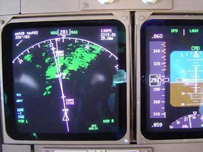 Simulando o voo BA0247: de Heathrow a Guarulhos no Boeing 747  ND_en_PFD_on_B-747-400