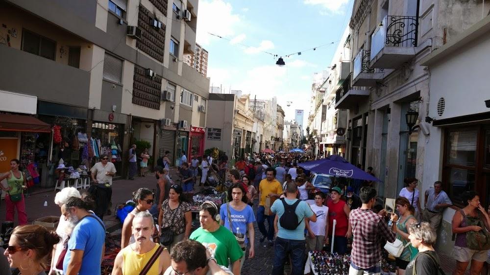 Adventure-Overland: Transafrica - Panamericana and next? Buenos-aires-strassenmarkt