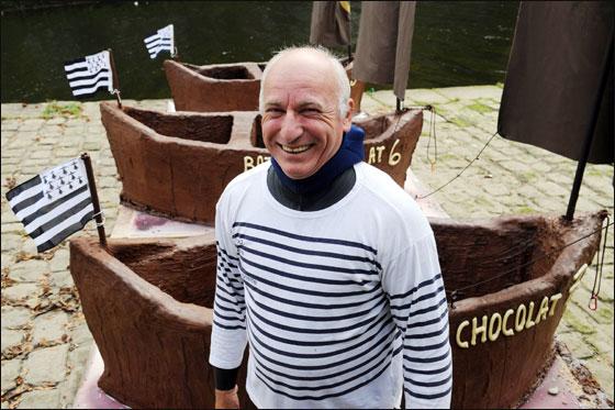 الإبحار في قوارب من الشوكولاتة بجنوب فرنسا  Choco_boat4