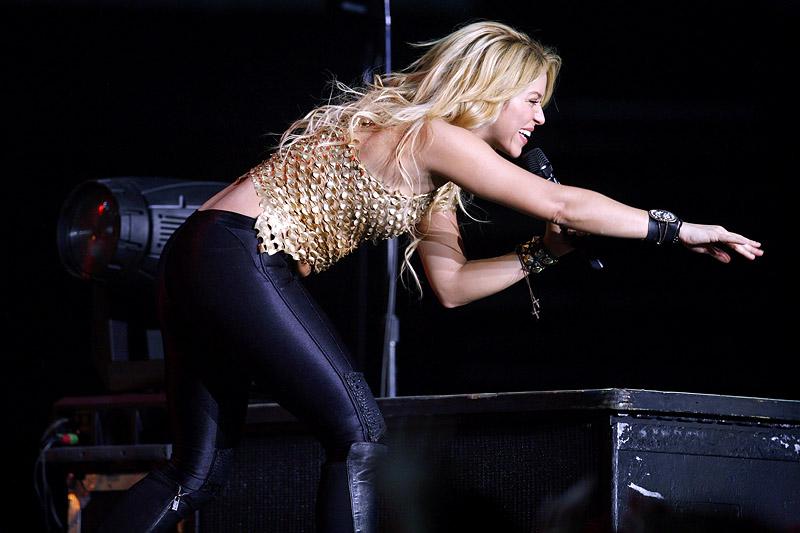 Galería » Apariciones, candids, conciertos... - Página 2 Shakira_arena16_393660S0
