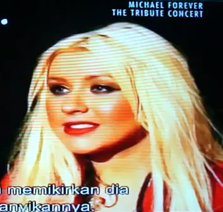 [Fotos+Video] Christina Aguilera en Michael Jackson Tribute 2011 - Página 3 28u48z7