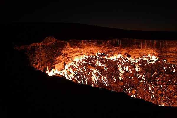 بوابة جهنم في تركمنستان Gate_to_hell_6