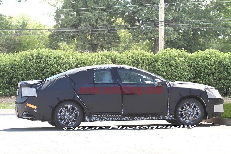 2016 - [Lincoln] MKZ 008-spy-shots-lincoln-mkz