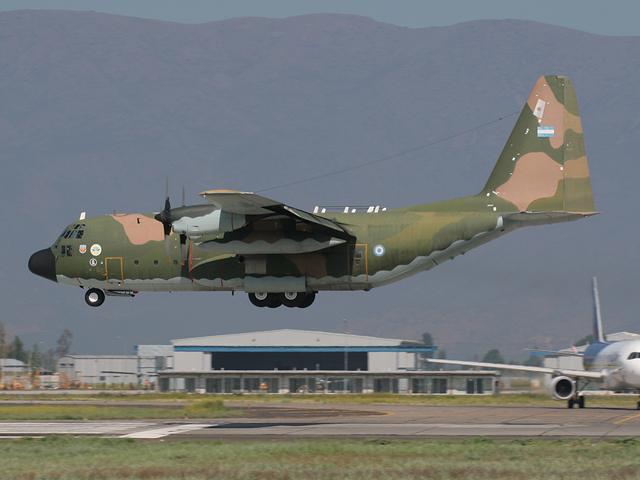 Jian J-10B ,El nuevo Caza polivalente Chino - Página 3 030310_C130_FAA