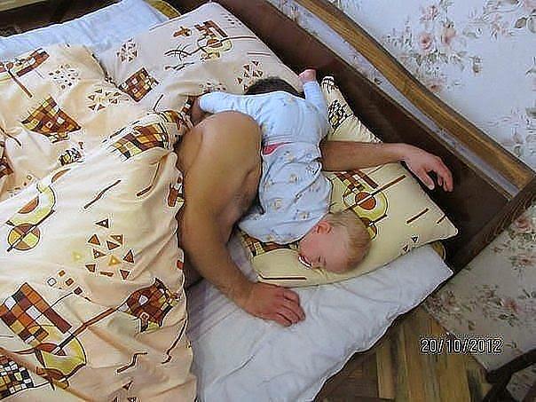 Kako tate čuvaju decu :) Image018-770377