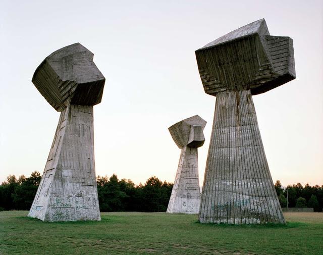 Construcciones abandonadas de la antigua URSS Spomenik_11