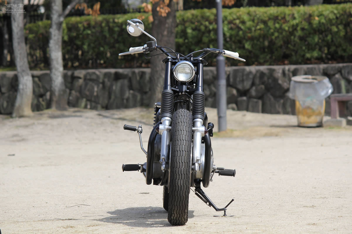 Kawasaki W3 Kawasaki-W3-Dirt-Tracker-Goods-Custom-Motorcycles-4