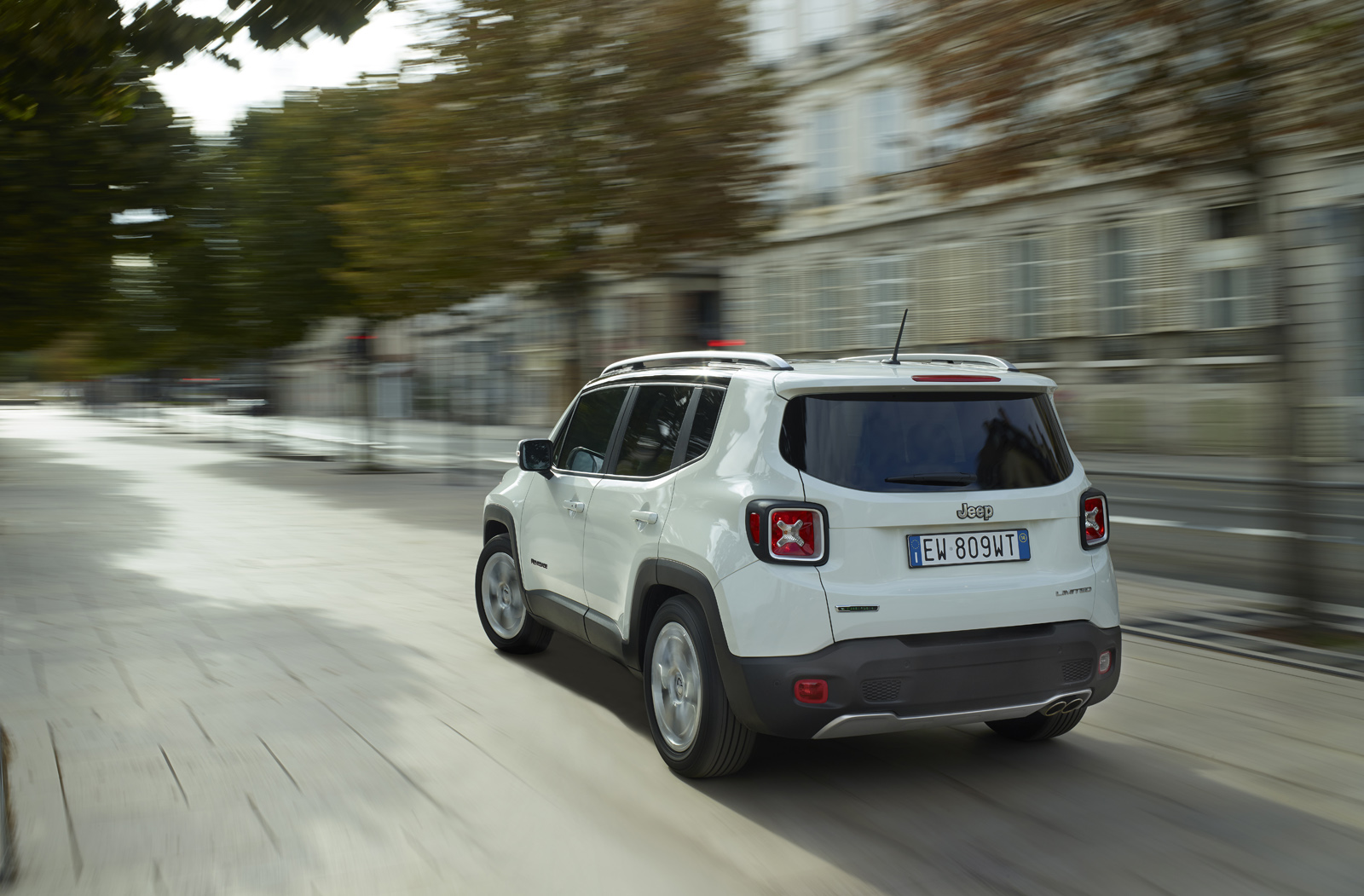 2014 - [Jeep] Renegade - Page 10 Jeep-Renegade-Limited-22