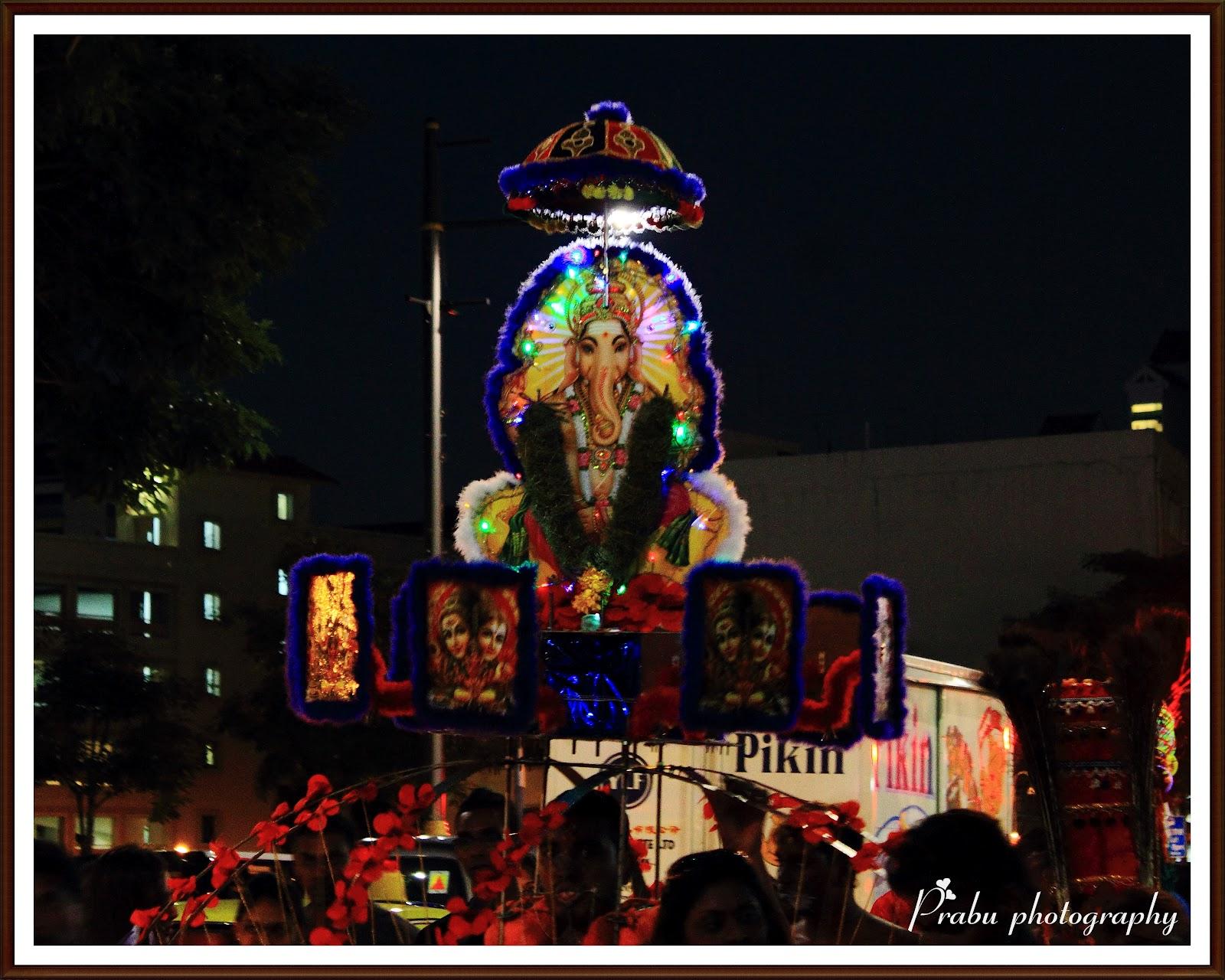 சிங்கப்பூர் தைப்பூசம் 2012 (புகைப்படங்கள்)-பகுதி-1 IMG_5163-1