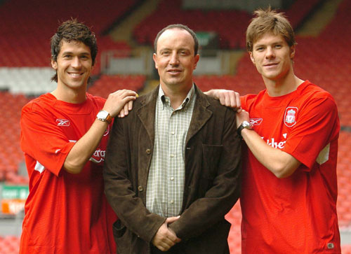 ¿Cuánto mide Rafa Benítez? - Altura - Real height Image-3-for-liverpool-fc-s-xabi-alonso-image-gallery-gallery-490386100