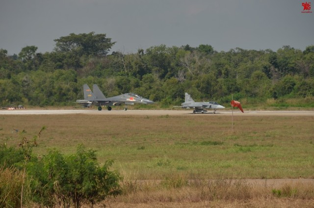 R. P. China - Página 43 Thailand%2BGripens%2Band%2BChinese%2BPLAAF%2BJ-11%2Bjoint%2Bexercises%2B2