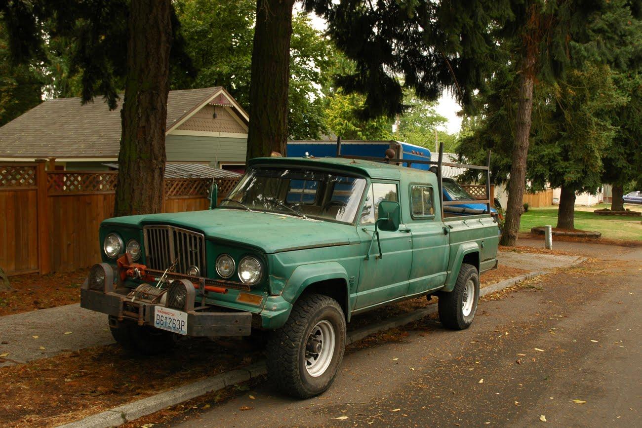 Serious truck. 4bt engine 1965-Jeep-Gladiator-J300-J-300-Four-wheel-drive-4wd-custom-pickup-truck-1