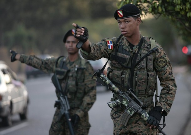 Armée dominicaine / Military of the Dominican Republic / Fuerzas Armadas de la República Dominicana Soldiers_military_combat_field_dress_pattern_uniforms_Republic_Dominican_army_001