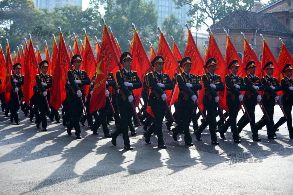 Vietnam - Página 6 Thousands%2Battend%2Brehearsal%2Bfor%2B40th%2Banniversary%2Bcelebrations%2Bof%2BVietnam%2BLiberation%2BDay%2Bparade%2B10