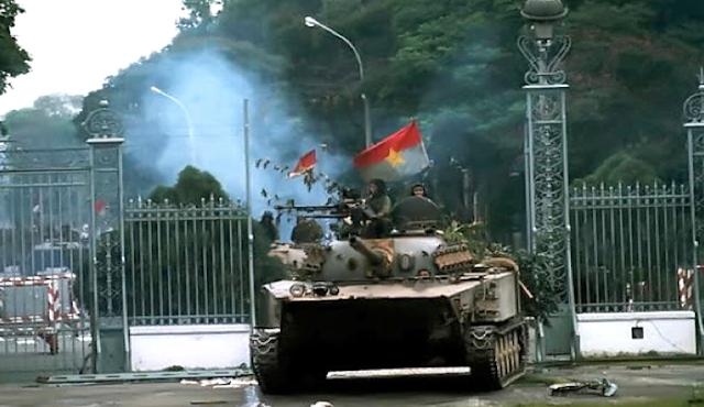 không - 42 tháng Tư và cuộc chiến không bom đạn Saigon-dinhdoclap1975