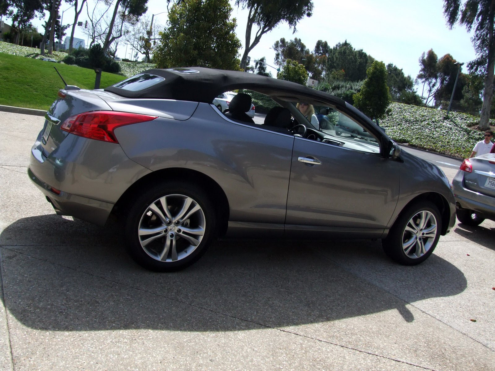 2010 - [Nissan] Murano CrossCabriolet - Page 4 2011-Nissan-Murano-CC-TD-653