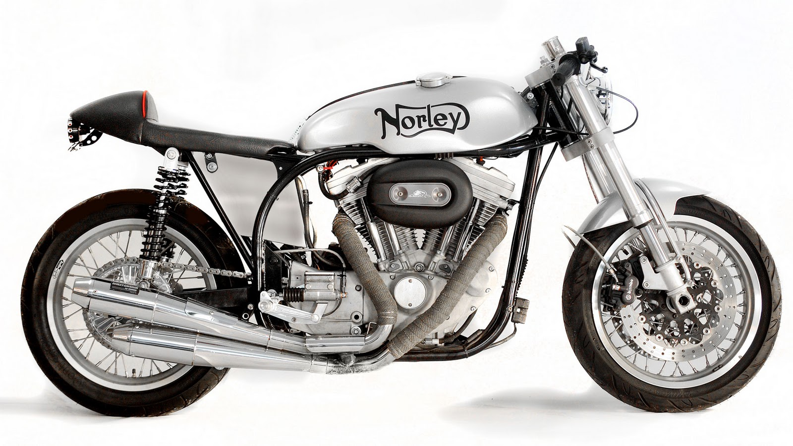Suzuki 550 GS du jeune Norley_Cafe_Racer_Sportster_Right-side-whitebg