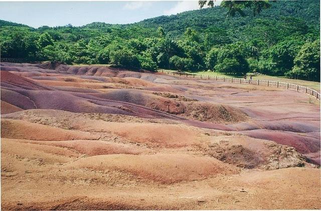 أرض السبعة ألوان في جزيرة موريشيوس '' بالصور ''   3