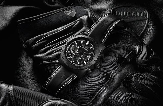 Tudor's new Fastrider Black Shield in Black and White Tudor%2BFastrider%2BBlack%2BShield%2BBlack%2Band%2BWhite%2B42000CN%2B-%2B5