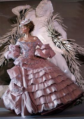 mode - Marie-Antoinette muse de la Mode  W-2007-Haute-Couture-Versaille-