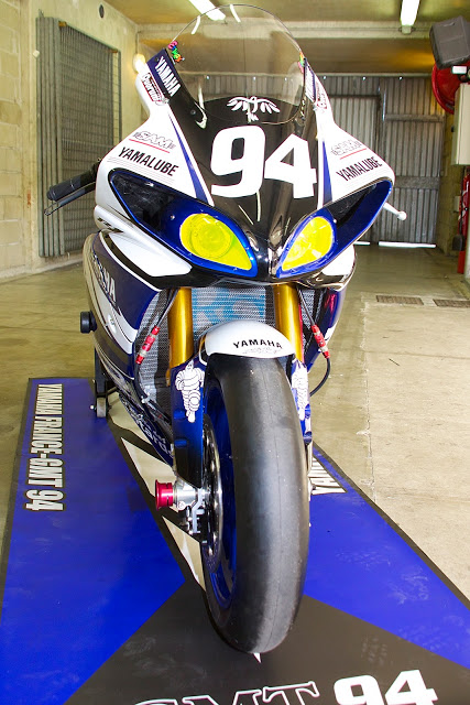 Machines de courses ( Race bikes ) - Page 12 R1-GMT-MNM3
