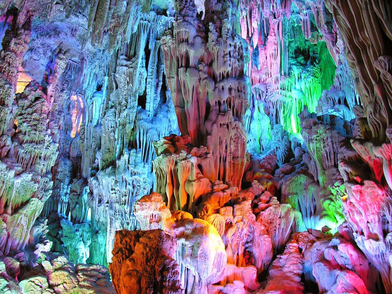 من عجائب خلق الله كهف الالوان السبعة Reed-flute-cave-images