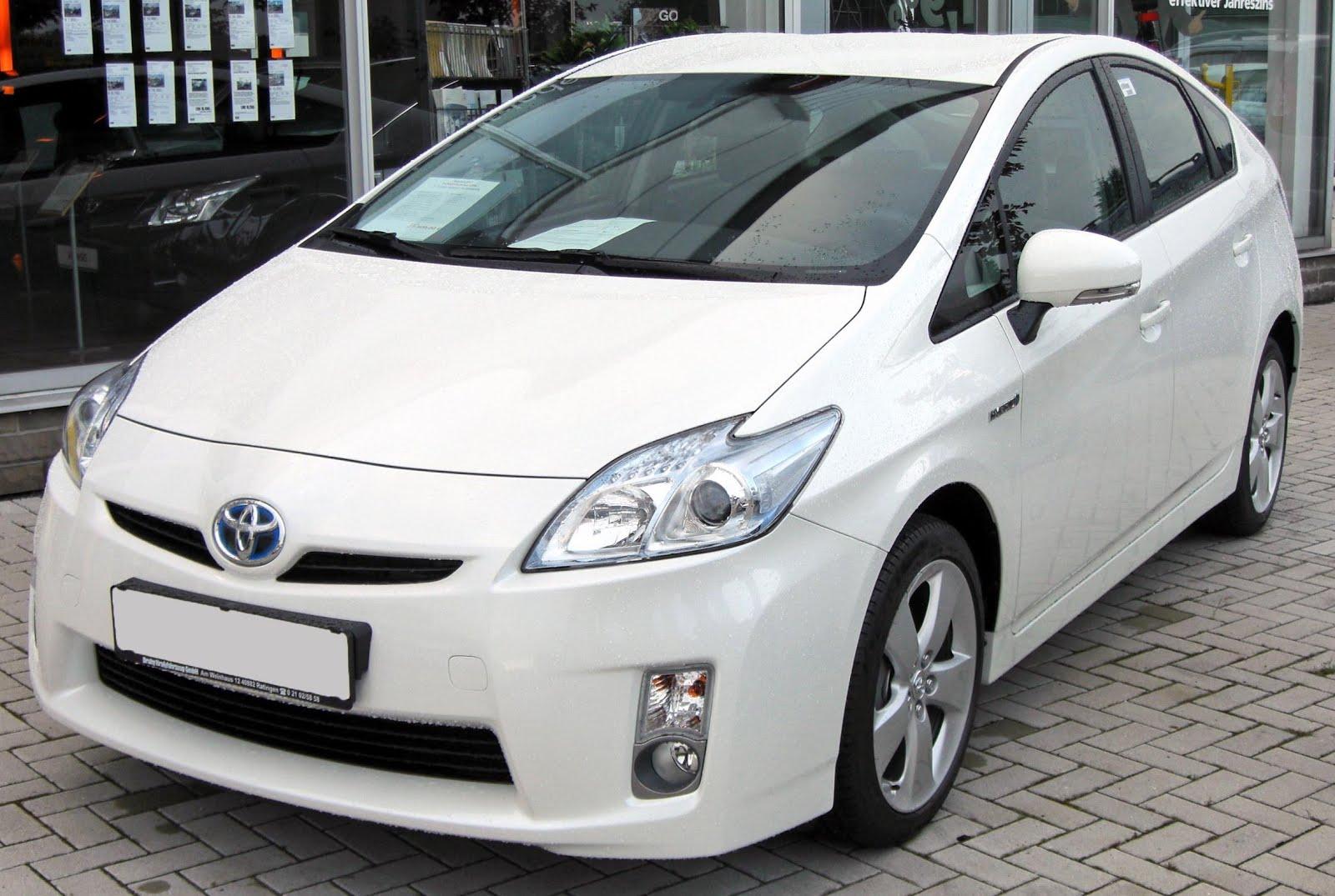 Discussão - Perguntas/Opiniões etc sobre veículos - Página 3 Toyota_Prius_III_20090710_front